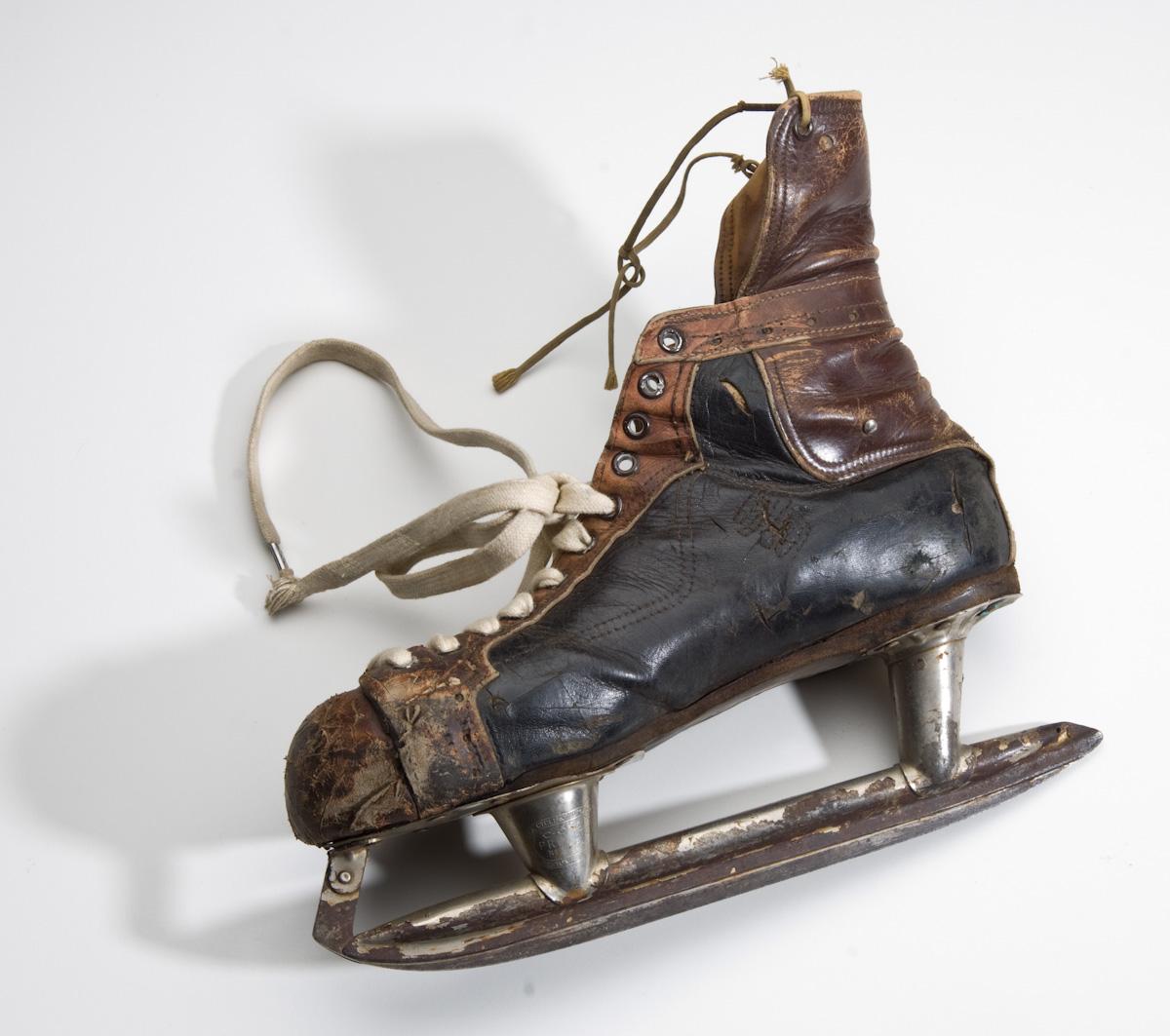 1934 CCM Prolight Hockey Skates